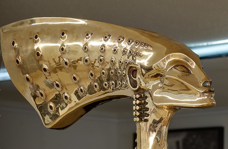 Nubian Queen, 2002, particolare, bronzo, 183x32x56 cm